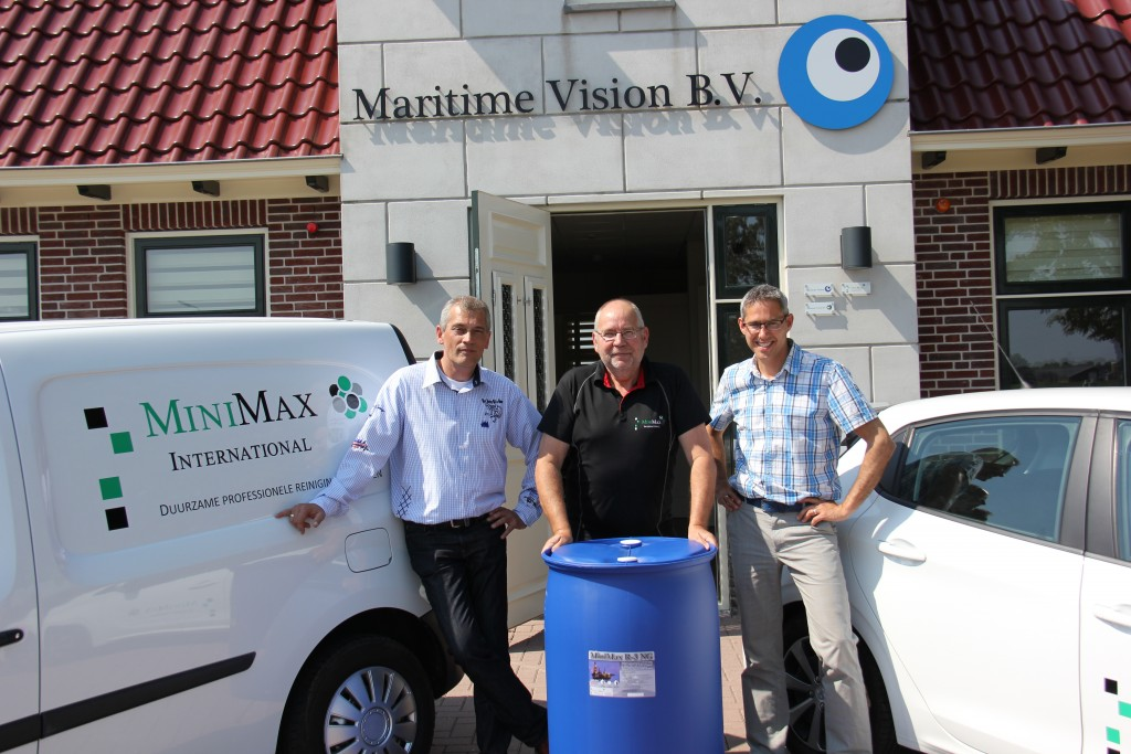 Op de foto ziet u van links naar rechts: Patrick van den Heuvel, Nico Puister en Hans Slootweg. Deze heren geven momenteel invulling aan de productie en verkoop van onze producten.
